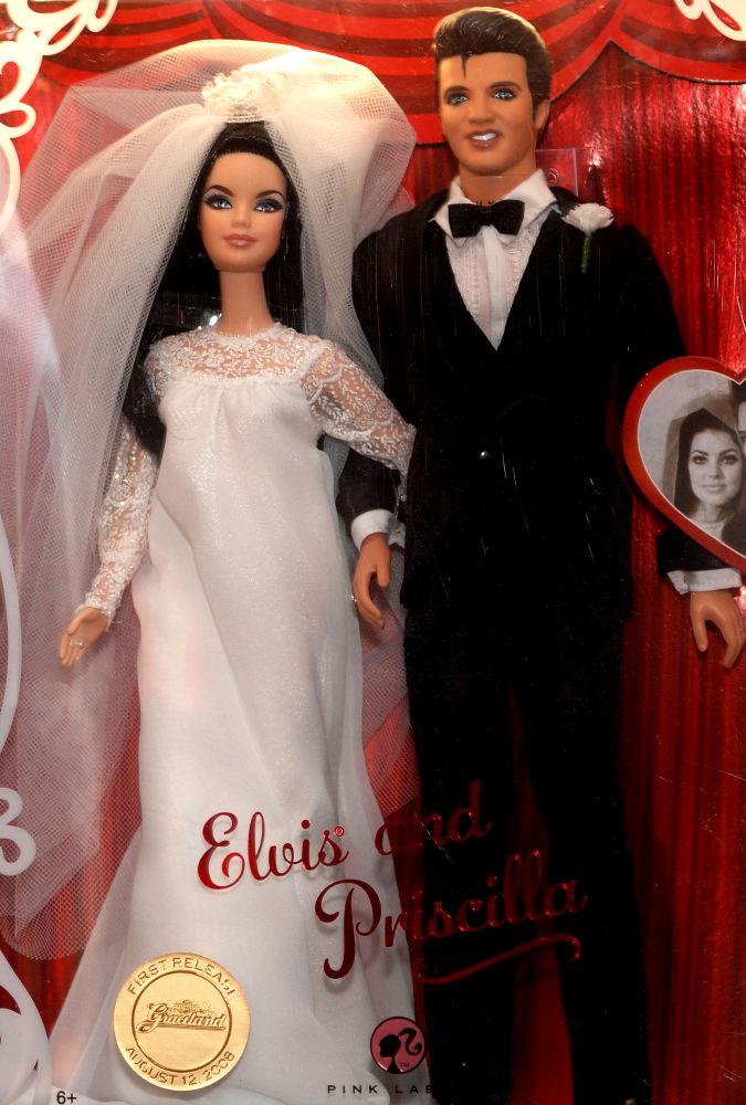 貓王和普里西拉·普雷斯利造型的芭比娃娃。