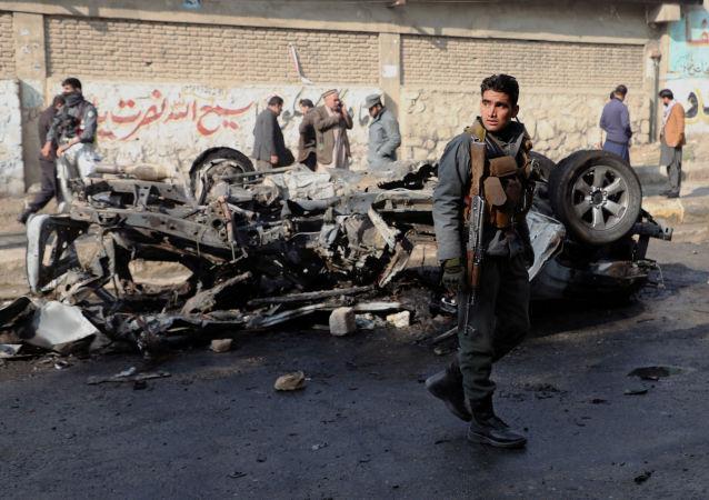 阿富汗汽車爆炸事件死者升至7人 50人受傷