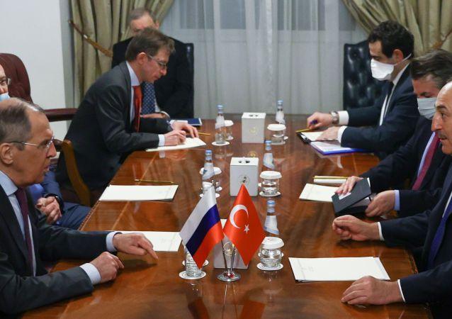 土耳其外長稱與俄羅斯外長討論納卡、敘利亞和利比亞局勢