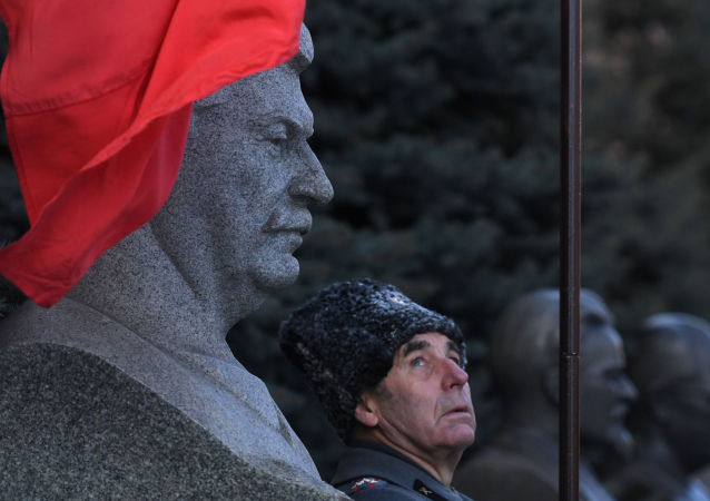 企圖騙取斯大林親戚數百萬盧布的女騙子將在莫斯科受審