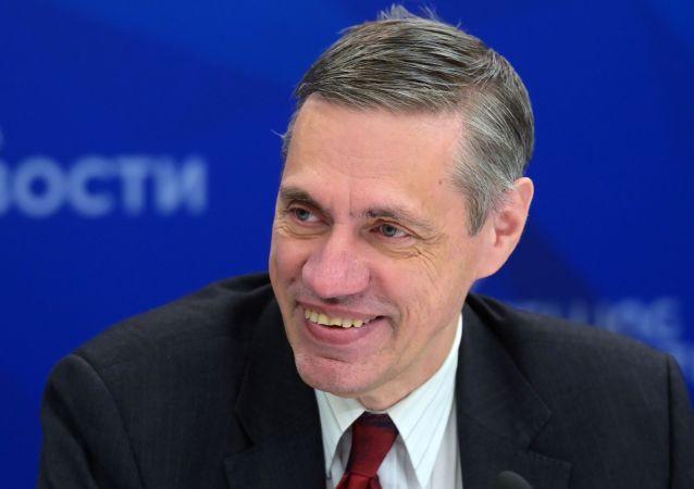 安德烈·奧斯托洛夫斯基教授