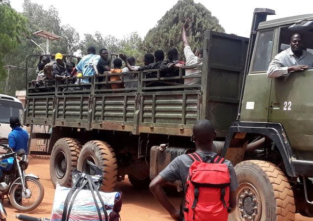 尼日利亞政府為防範武裝分子襲擊已關閉600多所中小學