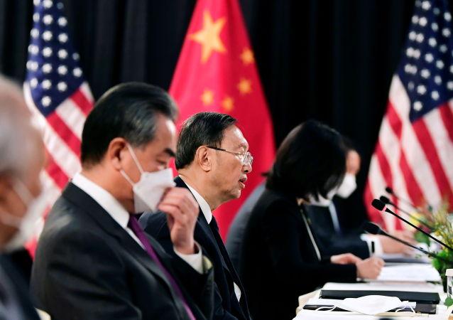 中方在中美高層戰略對話期間向美方闡述關於台灣、香港、新疆、西藏問題的立場