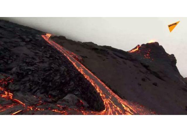 冰島火山噴發