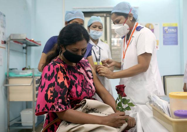 印度單日新增新冠病毒感染病例首次超過20萬例