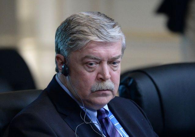 俄羅斯新任大使向白俄羅斯外交部長遞交國書副本
