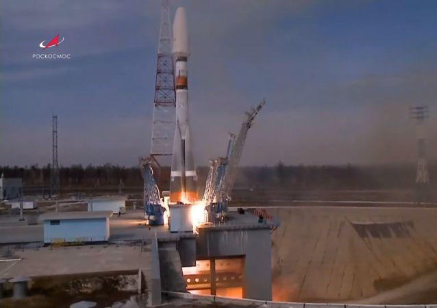 俄「聯盟」火箭成功發射36顆英國通訊衛星