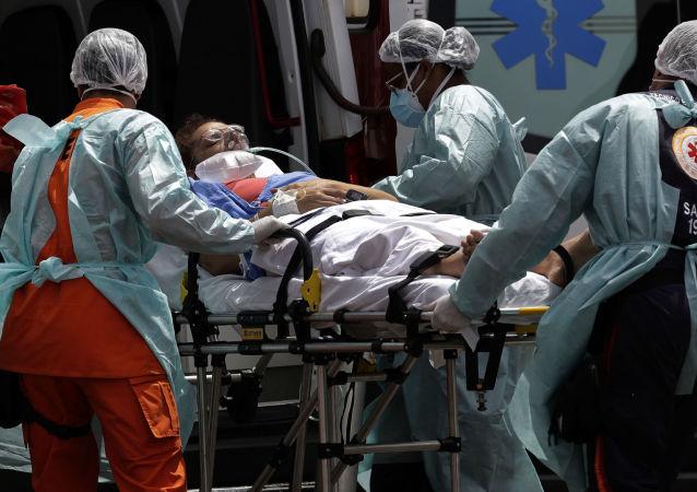 巴西衛生部:巴累計確診新冠病毒感染超1300萬例