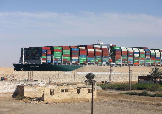 「長賜」號貨船在封堵事件調查結束前不得離開蘇伊士運河