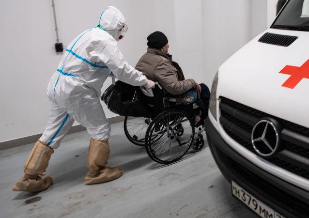 俄防疫指揮部:俄單日新增新冠感染病例8702例 累計至4641390例
