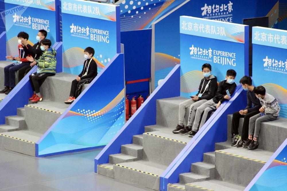 花滑運動員參加在北京舉行的2022年冬奧會冰上項目測試賽。