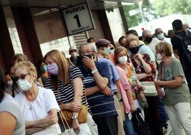 全球一周新增新冠確診病例450萬例 新增死亡病例7.6萬例