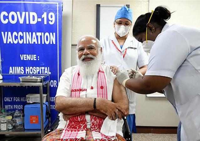 印度總理接種第二劑新冠疫苗