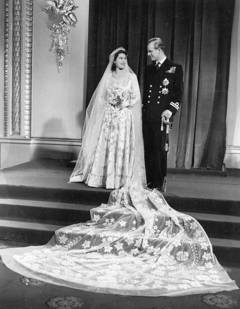 菲利普親王與伊麗莎白二世婚禮留影。