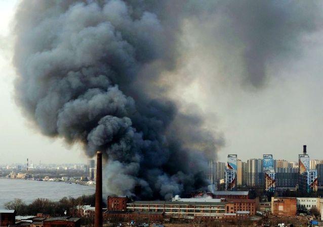 聖彼得堡市涅瓦紡織廠的火災