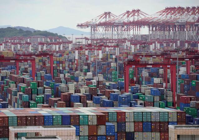 中國海關總署:前4個月中國進出口總值1.79萬億美元