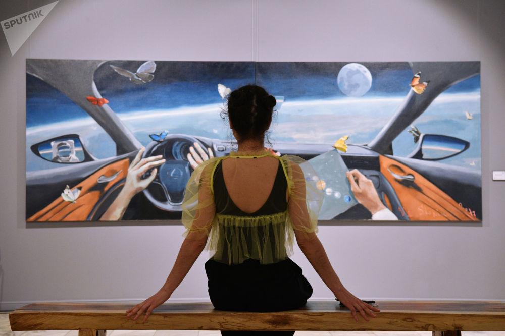 莫斯科市Artstory畫廊舉行「宇宙屬於我們!」展覽。