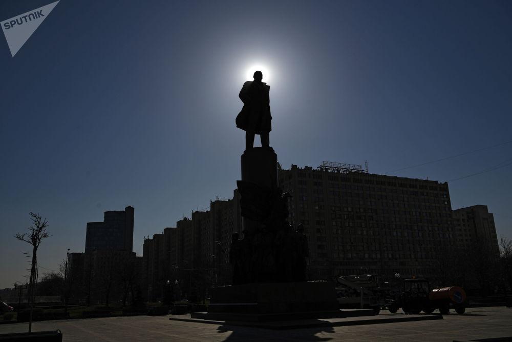 莫斯科市卡盧加廣場列寧像。