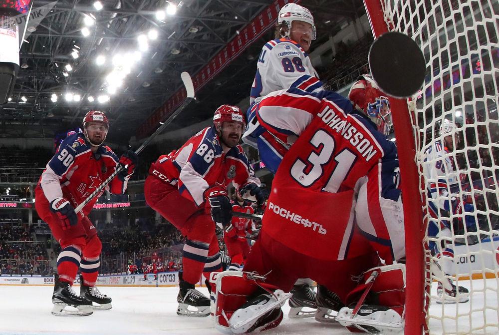 大陸冰球聯賽:中央陸軍-聖彼得堡冰球俱樂部。