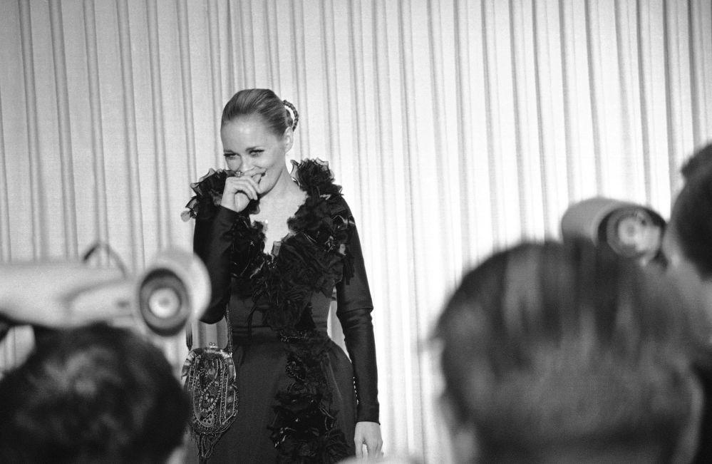 費耶·杜納威參加1968年奧斯卡金像獎頒獎典禮。