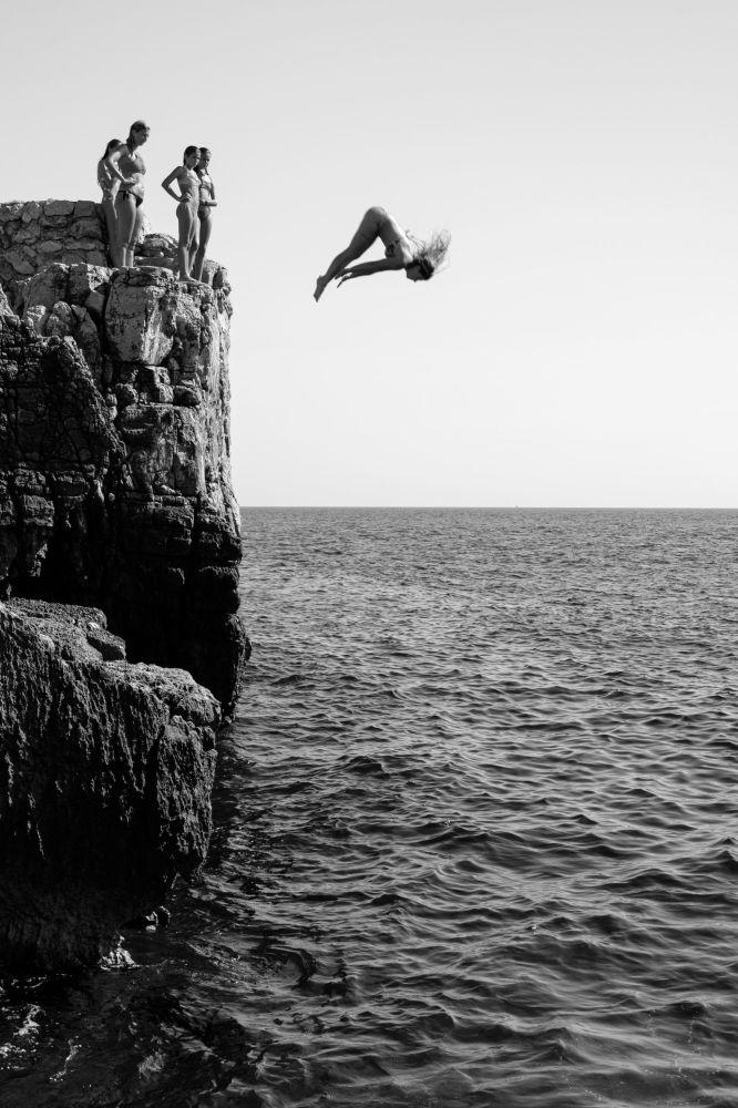 克羅地亞攝影師馬里霍•馬杜納拍攝的作品《Girl Power》,獲得公開組動態類別獎項。