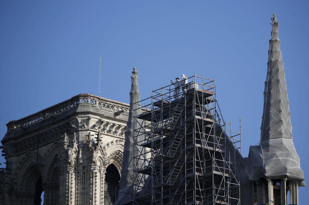 修復中的巴黎聖母院。