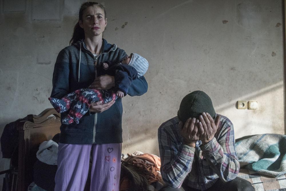 俄羅斯攝影師瓦列里•梅爾尼科夫的《失樂園》系列作品,獲得一般新聞類第一名。