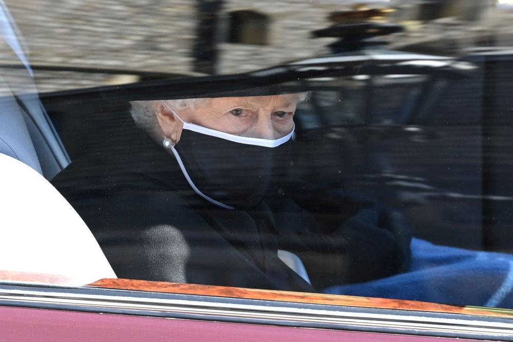 英國女王伊麗莎白二世在丈夫已故菲利普親王的葬禮上。
