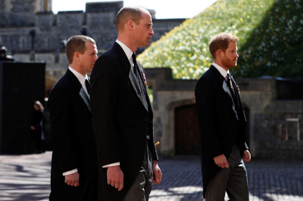 威廉王子和哈里王子參加已故菲利普親王的葬禮。