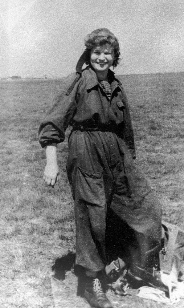 航天員瓦蓮京娜·捷列什科娃在雅羅斯拉夫爾航空俱樂部機場。