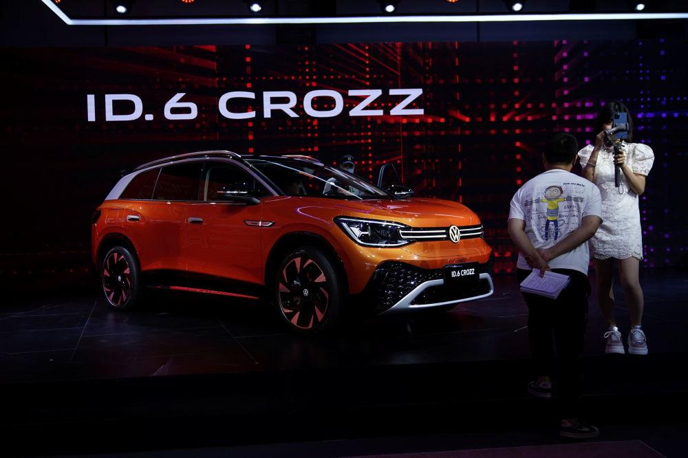 上海國際車展上的大眾ID.6 CROZZ電動車。