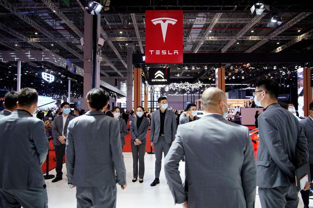 上海國際車展上的特斯拉展台。