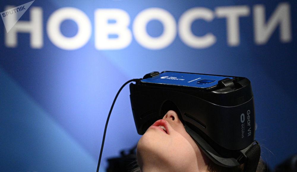 莫斯科天文館的航天周內介紹RIA Lab VR項目。