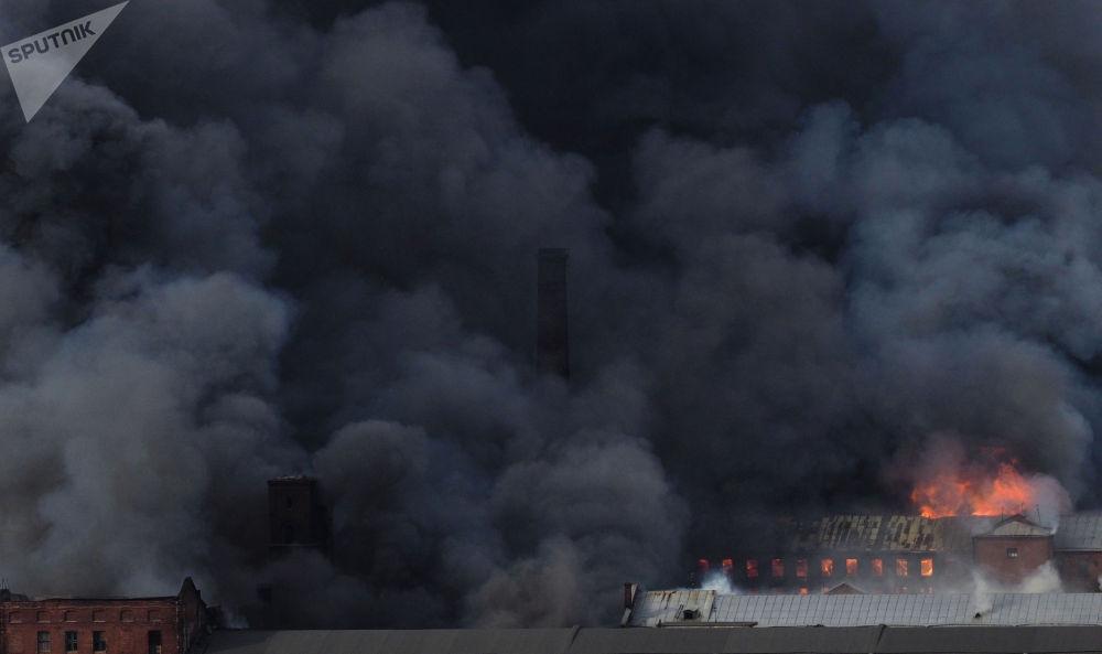涅夫斯卡婭紡織廠大火。