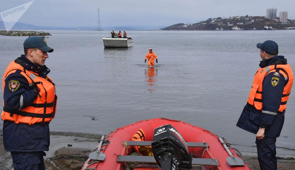 濱海邊疆區救援人員進行防洪演習。