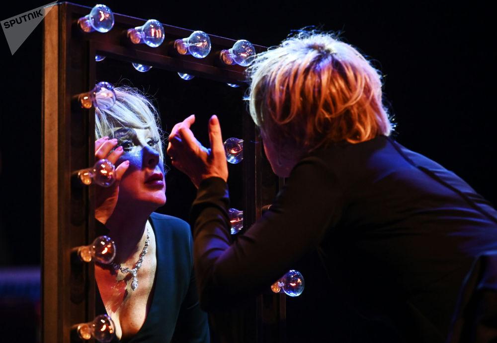 「櫻桃森林」藝術節框架內,戲劇《劇院》首演現場。