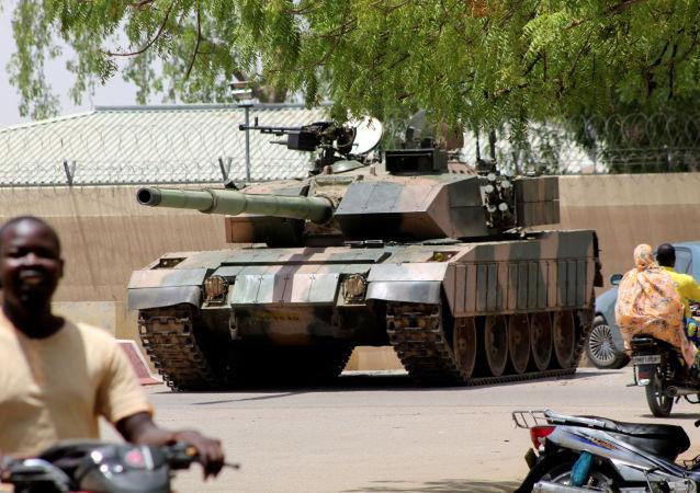 媒體:乍得反對派領導人之一承認臨時政府