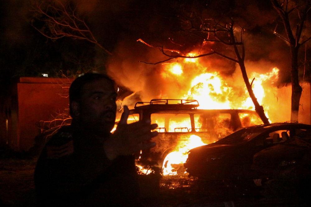 巴基斯坦警方在爆炸現場調查。