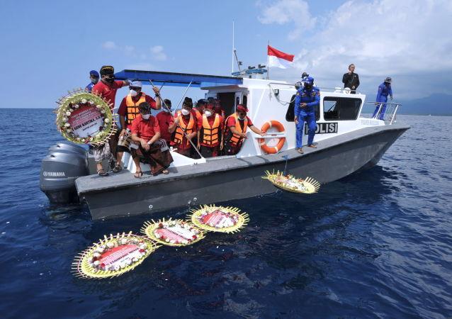 習近平就印尼海軍潛艇沈沒向印尼總統佐科致慰問電