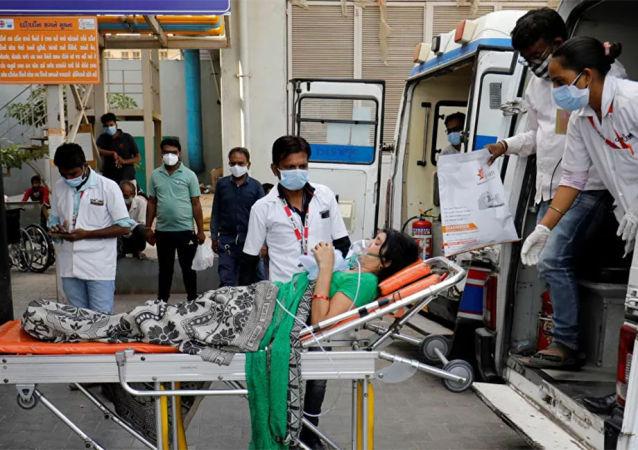 印度新增確診新冠病毒感染病例創新高