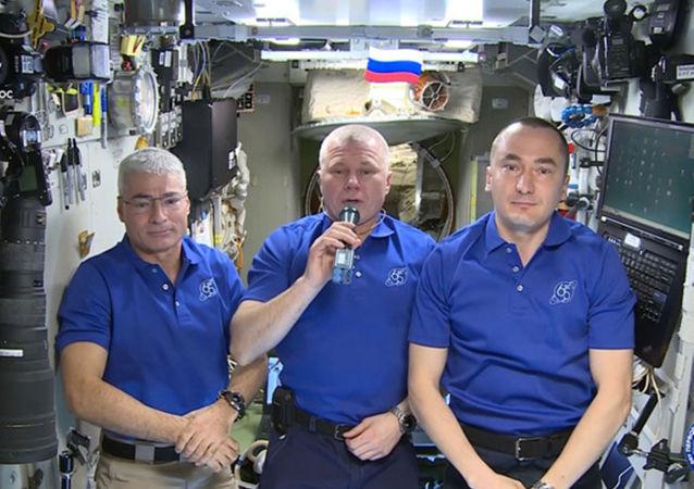 國際空間站宇航員向地球居民祝賀勝利日