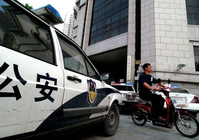 華媒:葫蘆島開車撞學生司機逃逸被抓,警方對其進行酒精和毒品檢測
