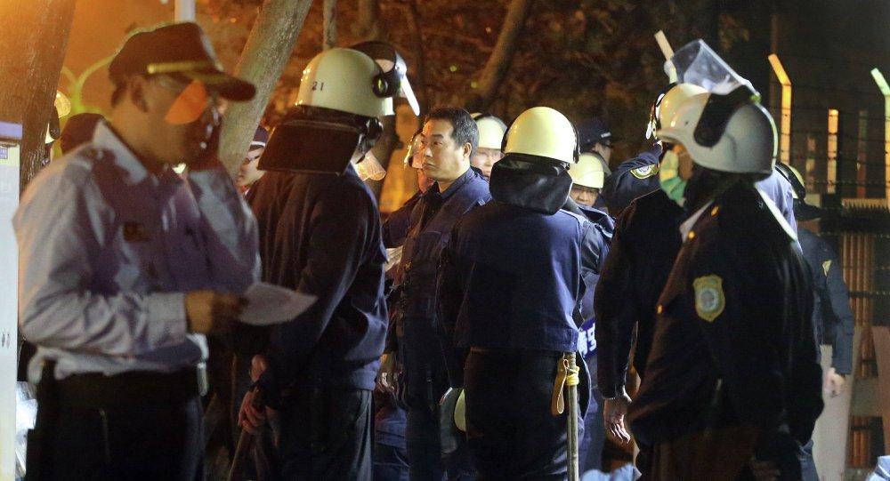 高雄大寮監獄被數百名警察包圍