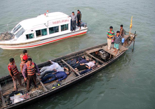 孟加拉國渡輪沈沒遇難人數或將增至100人