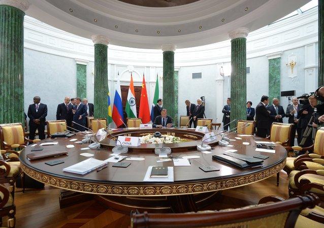 俄副外長:金磚國家正在探討增加新開行註冊資本問題