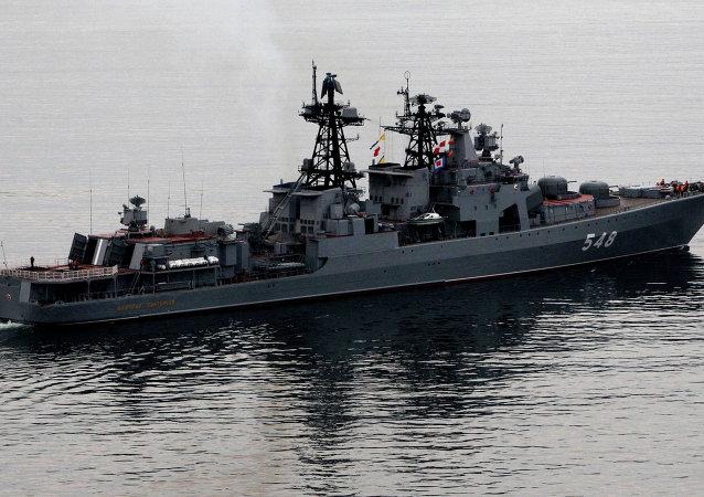 '潘傑列耶夫海軍上將' 大型反潛艦