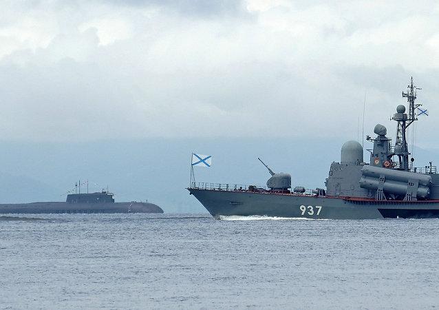 有超過80艘戰艦和船隻在世界各海域執行戰鬥任務