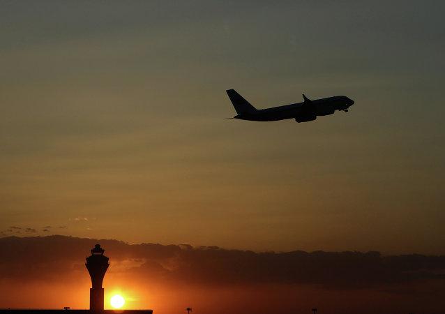 俄羅斯第二架撤僑飛機已自薩那機場起飛