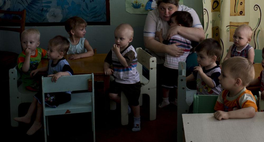 盧甘斯克孤兒院的孩子被疏散