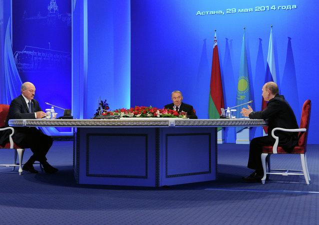 俄國家支付系統運營商明年將向歐亞經濟聯盟國家推廣其銀行卡